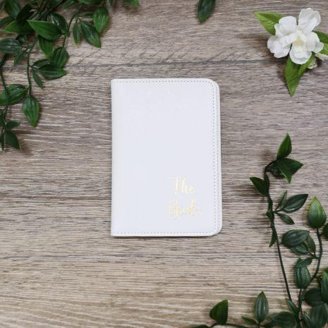 passport white holder